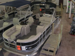 2014 - South Bay Pontoons - 522FCR